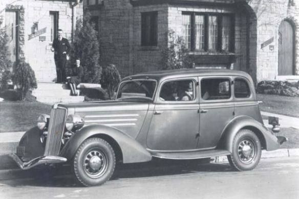 1934 Hupmobile 417 Sedan