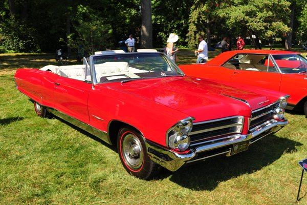 1965 Pontiac Bonneville Convertible Ralph & Laura Cartrett
