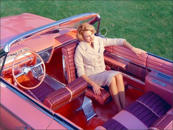 1961 Buick Flamingo pivoting seat