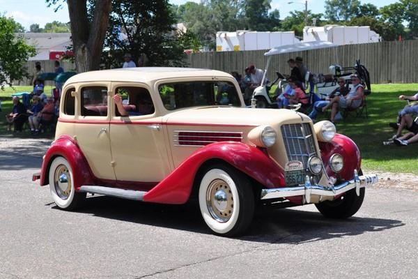 1935 Auburn 653 Sedan