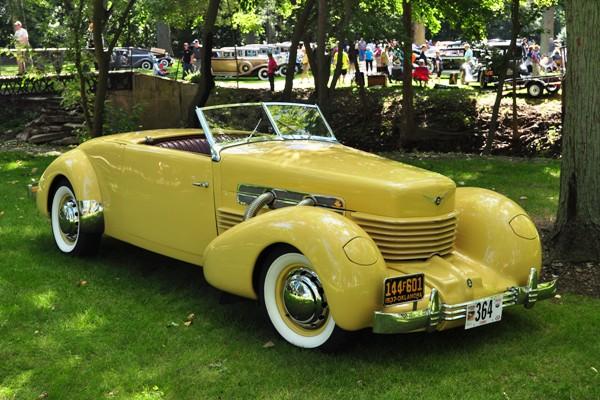 1937 Cord 812 Cabriolet Brad & Kari Waken