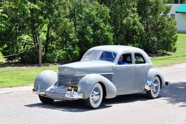 1937 Cord 812 Custom Beverly Dennis & Bonnie Heywood