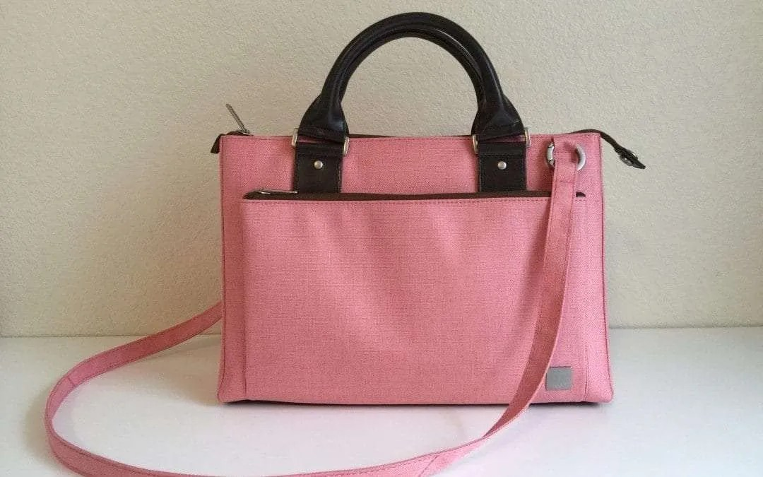 Moshi Urbana Mini in Coral Pink