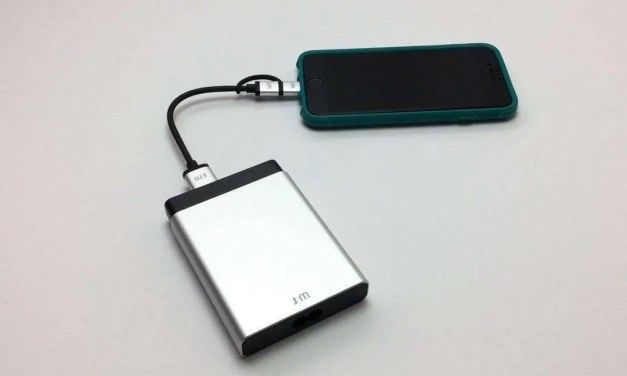 Just Mobile AluCharge REVIEW The world's slimmest USB charger