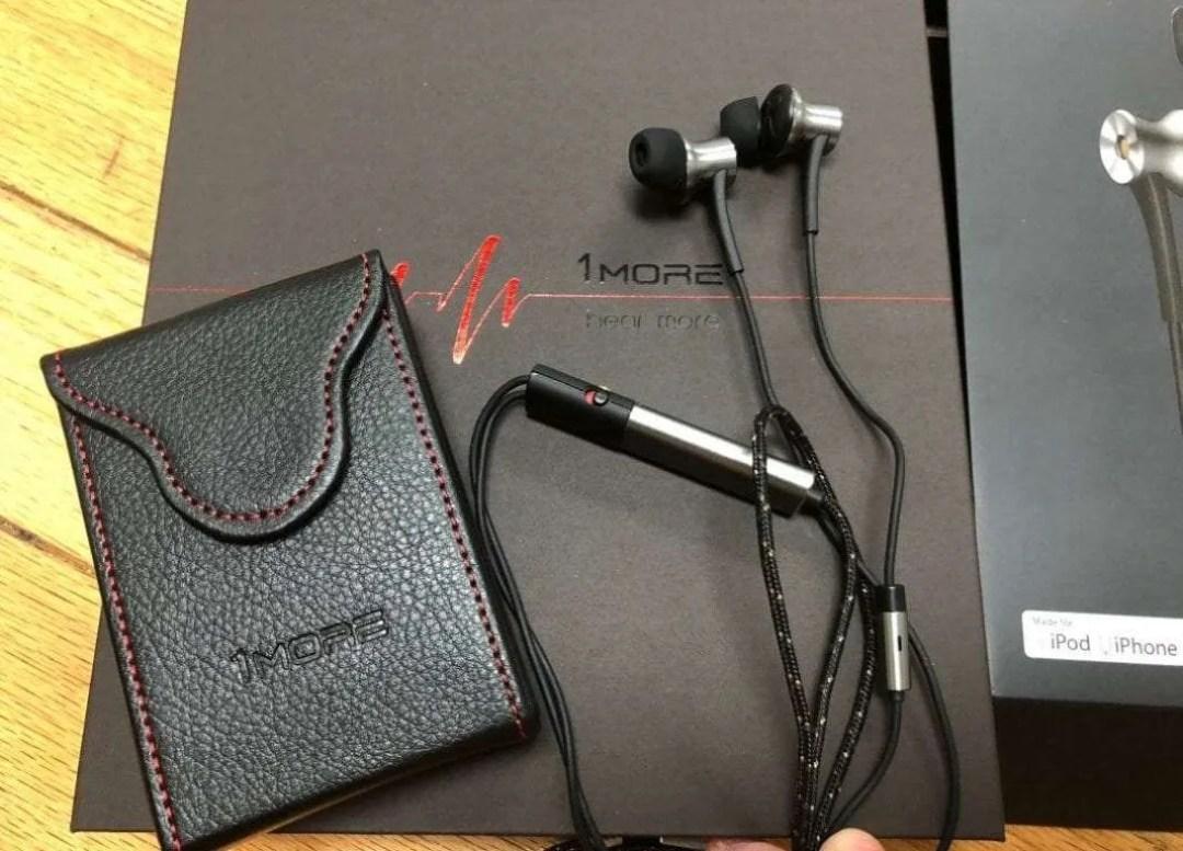 1MORE ANC LTNG earphone