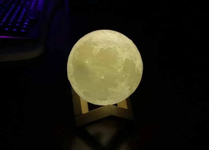 BRANDO 3D Moon USB Lamp REVIEW