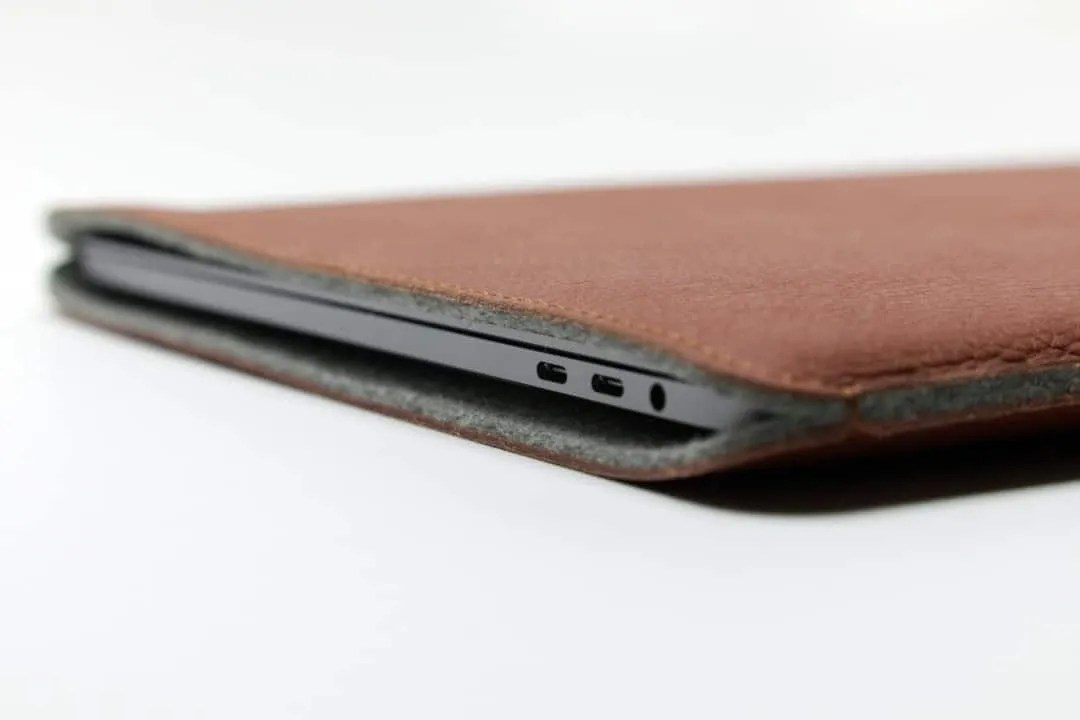 WOOLNUT MacBook Pro Touch Bar 15 Cover REVIEW
