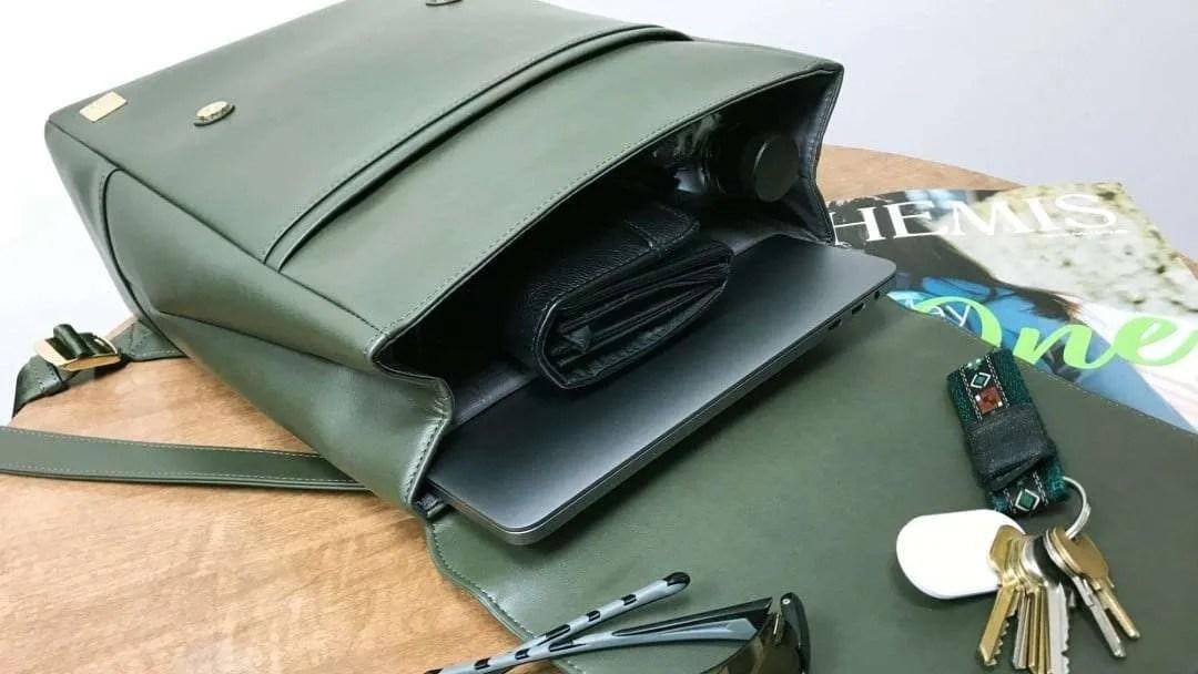 Moshi Helios Mini Compact Backpack REVIEW