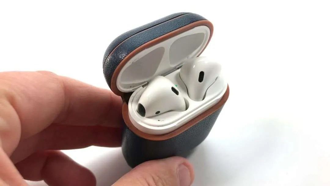 AirVinyl Leather AirPod Case REVIEW