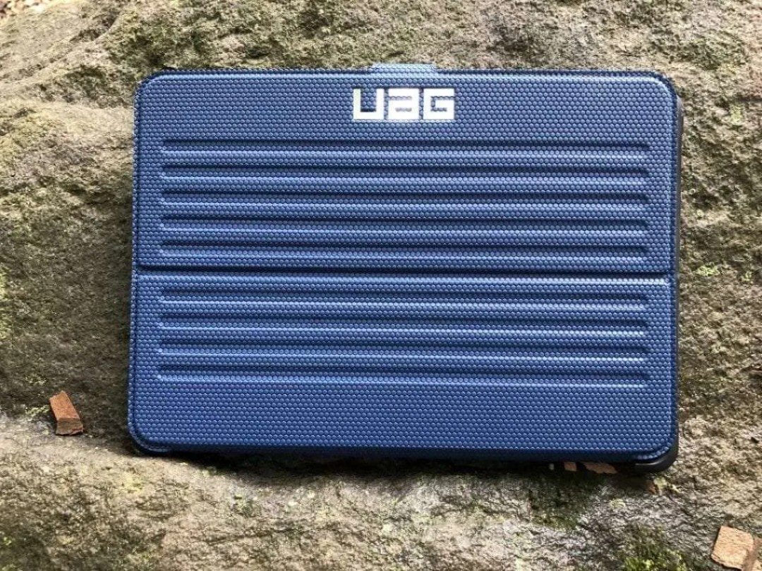 UAG Metropolis iPad Cover