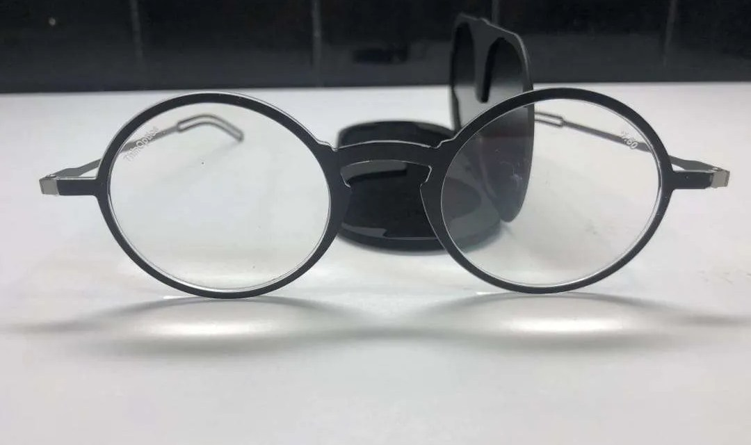 ThinOptics Frontpage Collection REVIEW Readers at the Ready