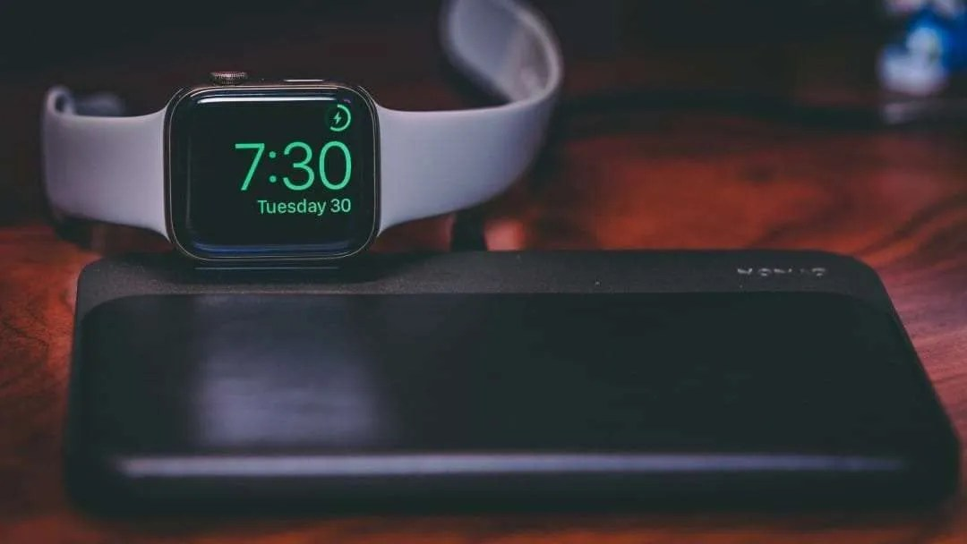 NOMAD Base Station Apple Watch Edition Wireless Charging Dock REVIEW
