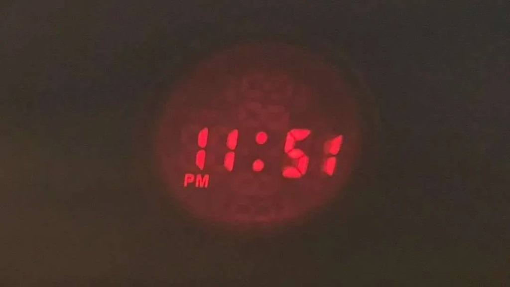 DIGOO DG-C10 LCD Projection Clock REVIEW