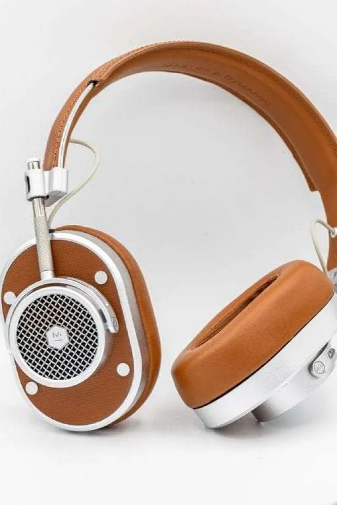 Master and Dynamic MH40 Wireless Headphones REVIEW
