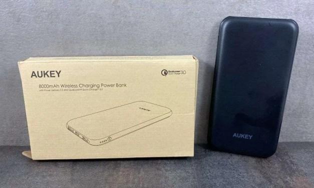 AUKEY 8000mAh USB-C Wireless Charging Battery REVIEW