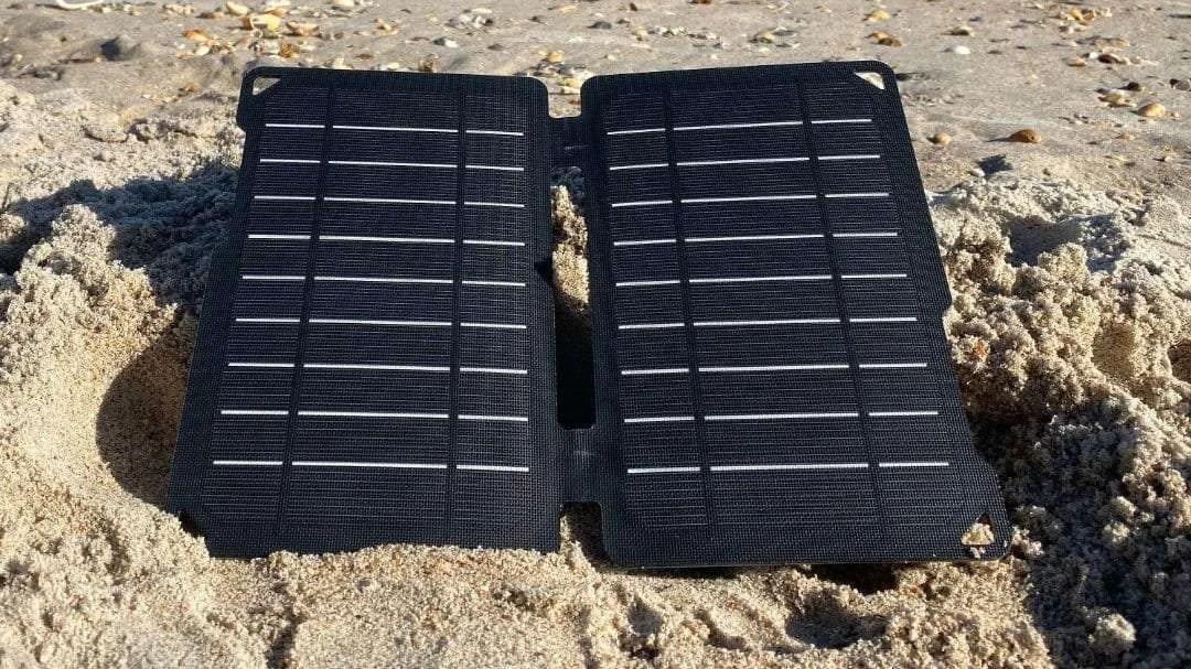 RENOGY E. FLEX 10W Solar Charger REVIEW
