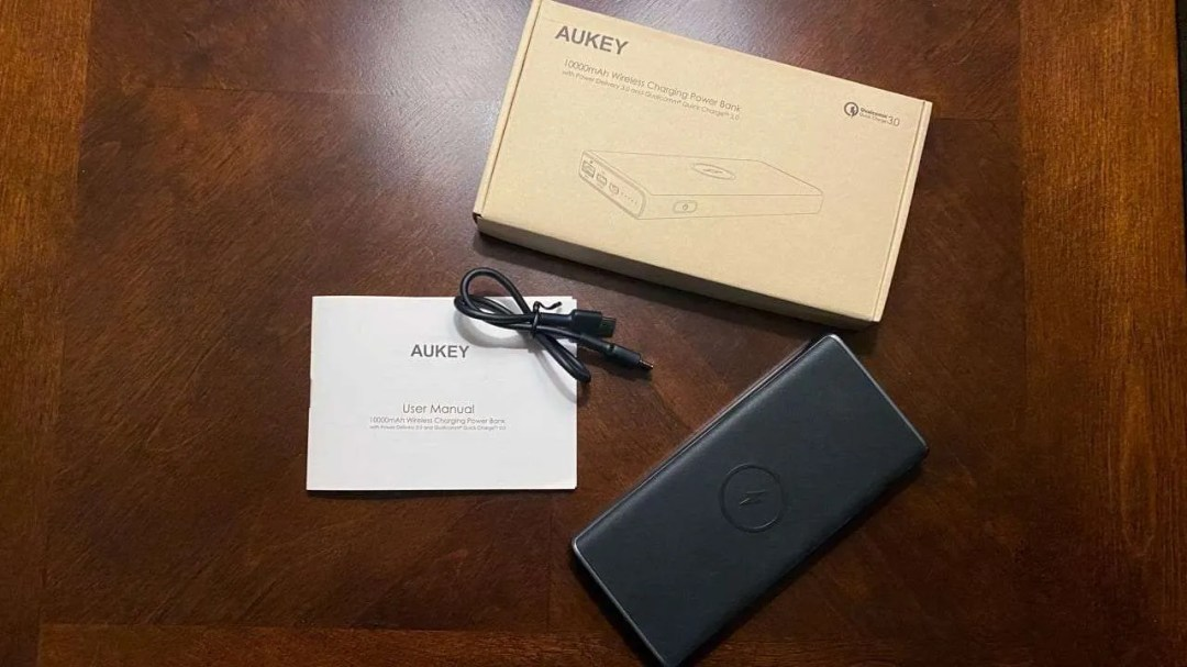 AUKEY PB-Y32 WIRELESS CHARGING POWER BANK REVIEW