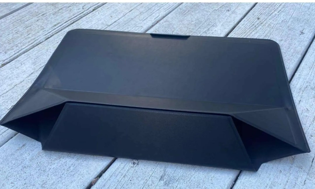 MOFT CARRY SLEEVE WITH INVISIBLE STAND AND STORAGE REVIEW