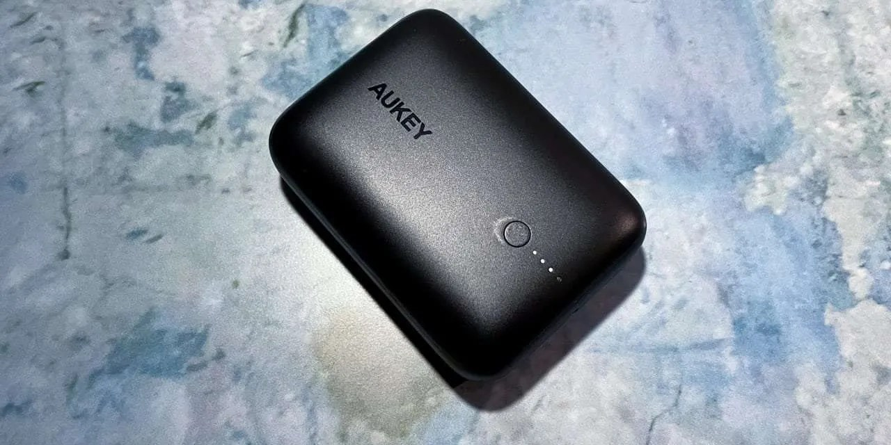 AUKEY 10000mAh 18W Fast Charging Power Bank REVIEW