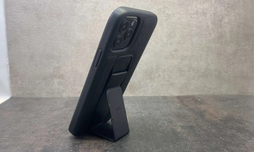 Clckr Stand and Grip Case