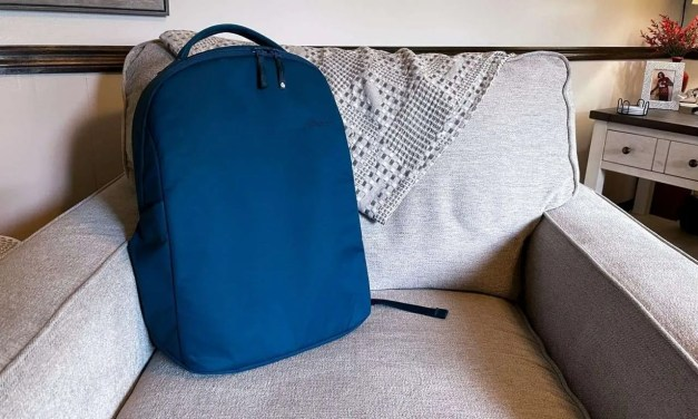Incase Commuter Backpack w/BIONIC REVIEW