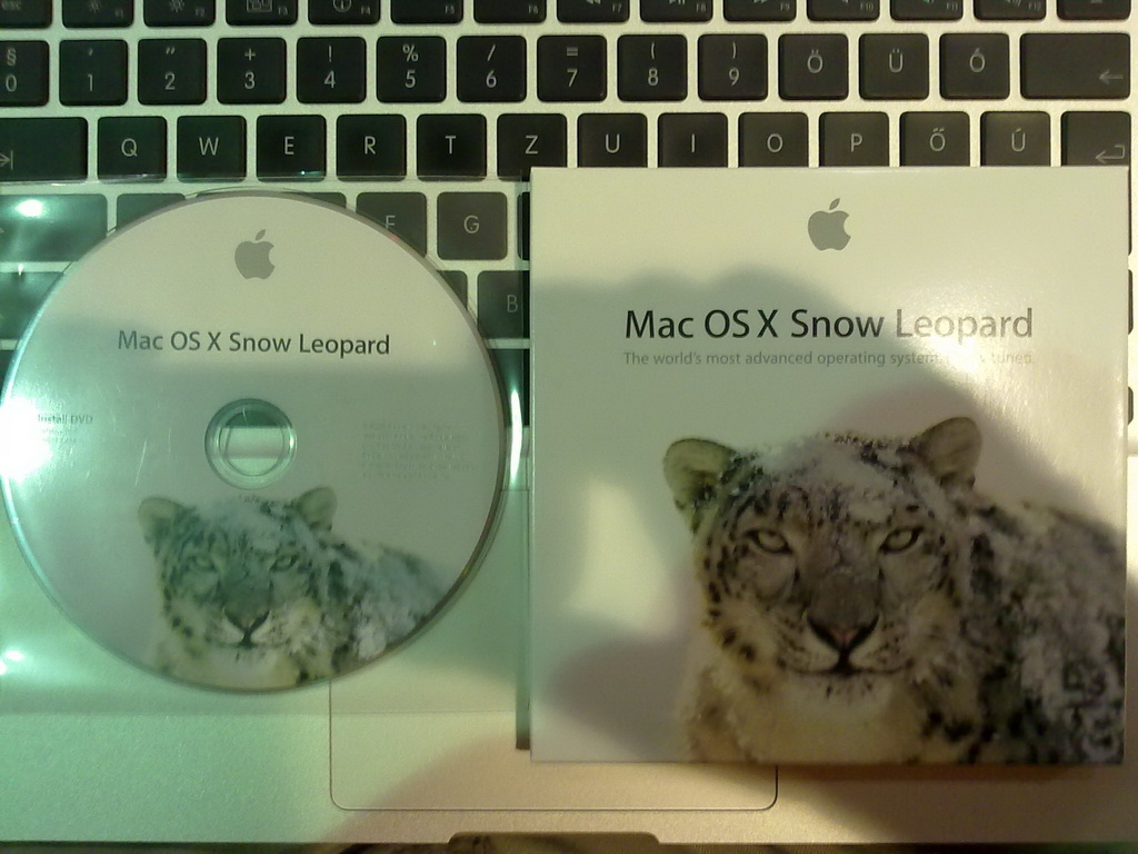 Image result for Snow Leopard 10.6 - Retail DVD