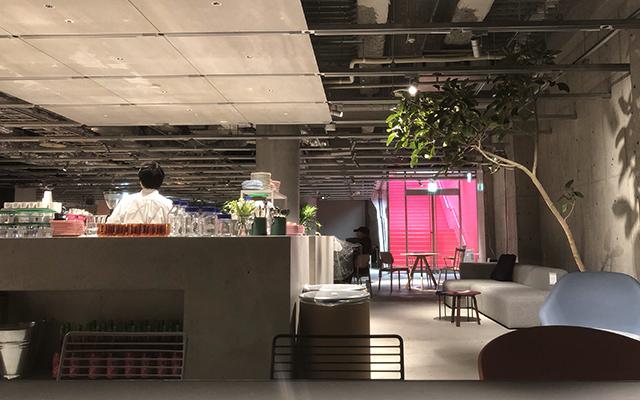 HAY cafe TOKYO by Frederik Bille Brahe(ヘイ カフェ トウキョウ)