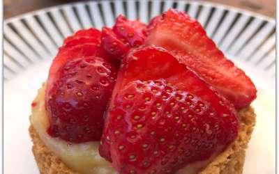 Tartes aux fraises sur sablés sans gluten façon Christophe Adam
