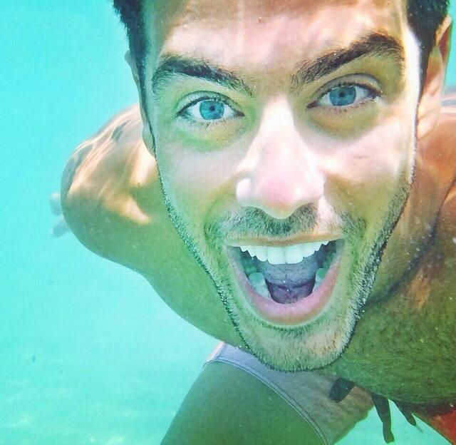 Νέα μόδα! Δείτε την υποβρύχια selfie του Κώστα Μαρτάκη - Mad TV 45a8e692bda