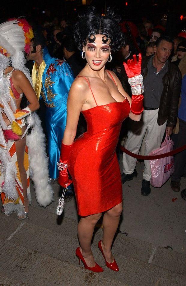 Heidi-Klum-dolled-up-Betty-Boop-host-her-annual-Halloween_result