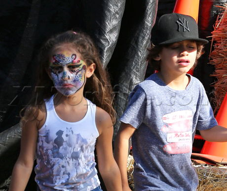 Jennifer Lopez and her twins at the pumpkin patch  Pt 3