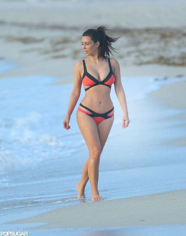 She-wore-colorful-Agent-Provocateur-bikini-Miami-Beach-July_result