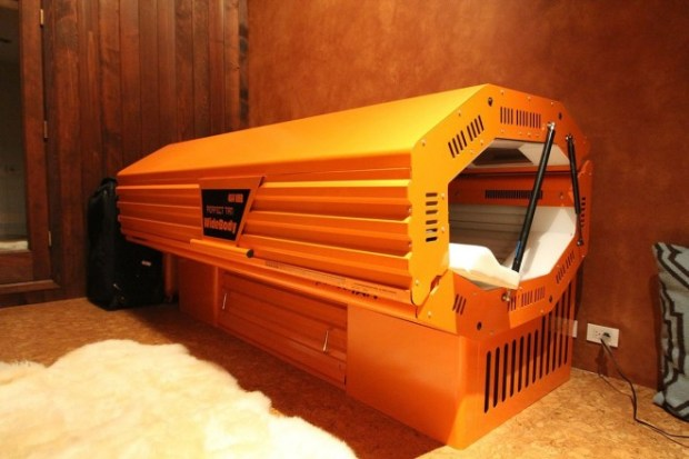 the-home-sold-along-with-wilzigs-tanning-bed