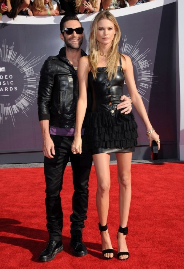Behati-Prinsloo-and-Adam-Levine-rock-complimenting-outfits-to-the-VMAs