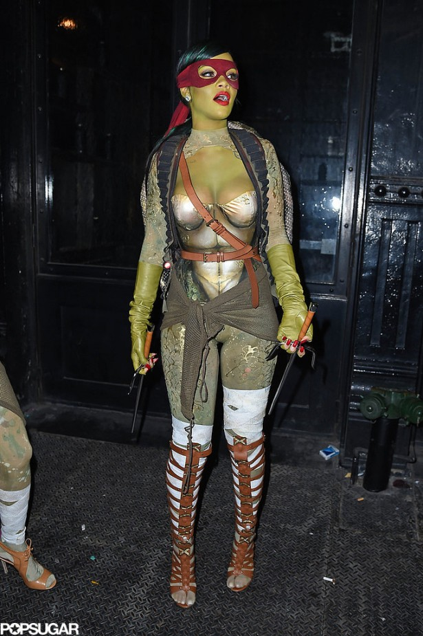 Rihanna-Dressed-Up-Teenage-Mutant-Ninja-Turtle-Photos