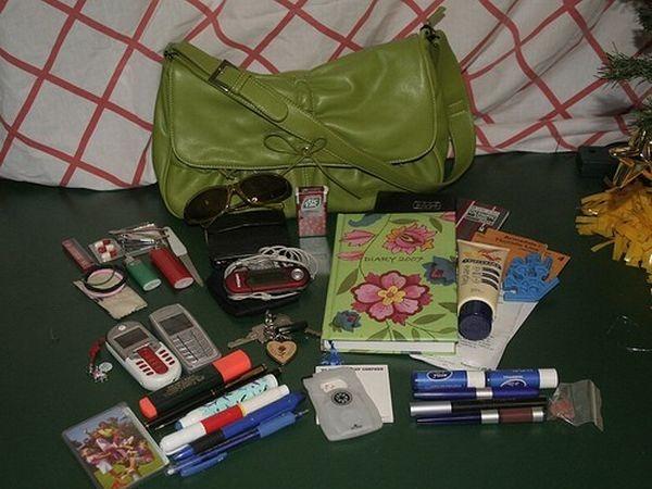 handbag-content_32
