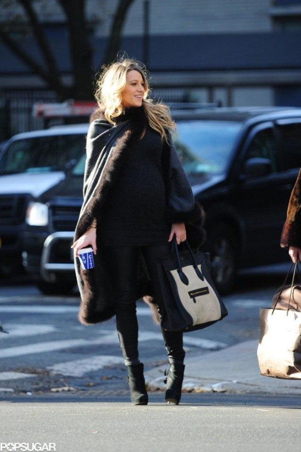 Blake-Lively-Pregnant-Walking-Through-NYC-Pictures-1