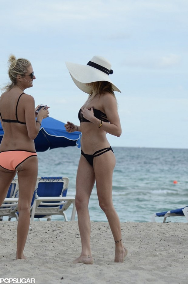 Katie-Cassidy-Bikini-Pictures-8