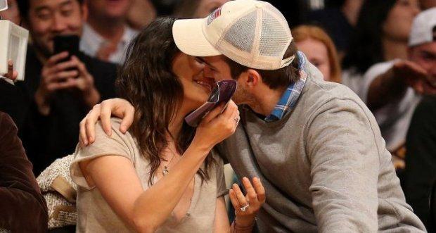 Mila-Kunis-Ashton-Kutcher-Lakers-Game-Dec-201411