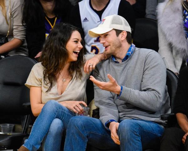 Mila-Kunis-Ashton-Kutcher-Lakers-Game-Dec-2014f