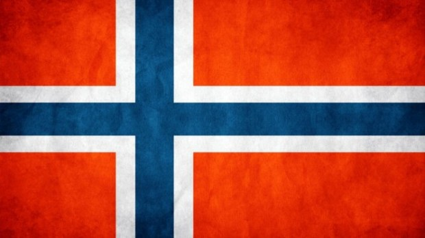 Norway-Flag-768x1366