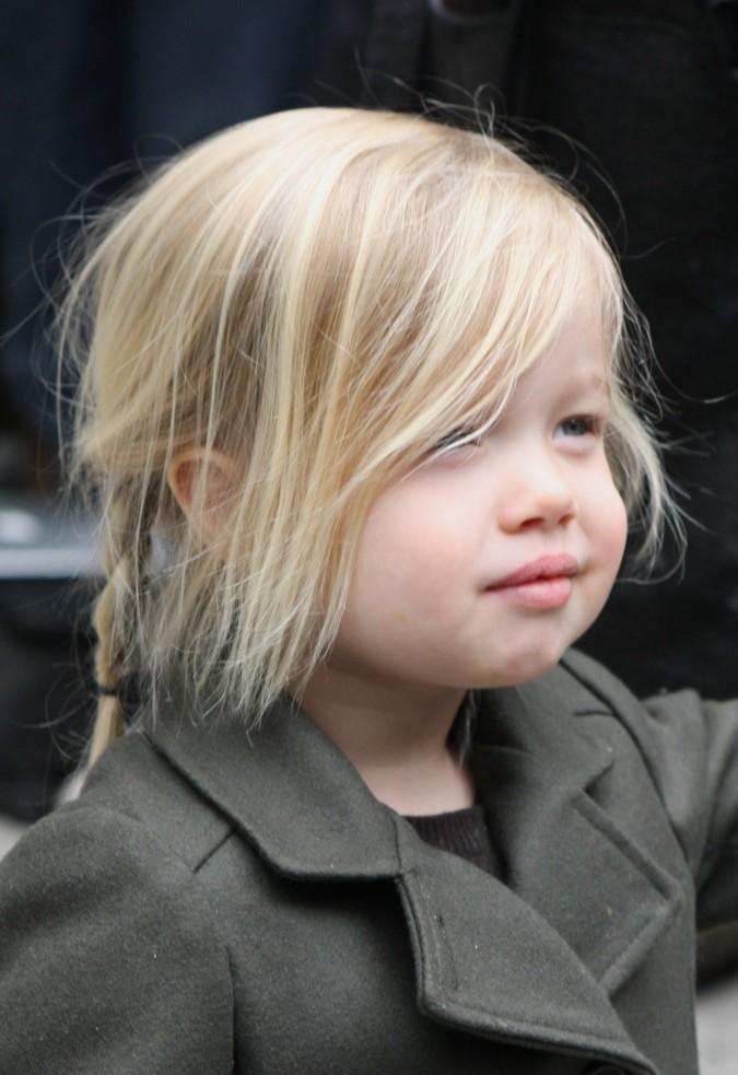 Angelina Jolie takes Shiloh and sahara shopping in new York city efd740e8458