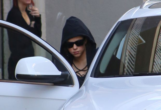 EXCLUSIVE: Shakira goes incognito in Barcelona