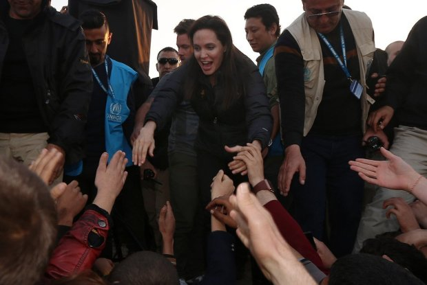 Angelina-Jolie-Refugee-Camp-Iraq-January-2015-1