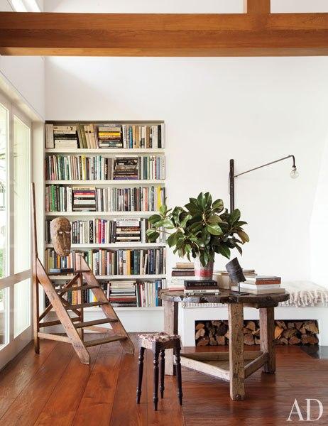 item4.rendition.slideshowvertical.ellen-degeneres-portia-de-rossi-beverly-hills-home-05-living-room
