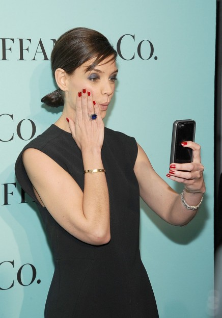April-2014-Katie-Holmes-snapped-selfie-event-NYC