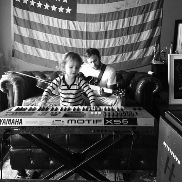 Caleb-Dixie-had-mini-jam-session-home