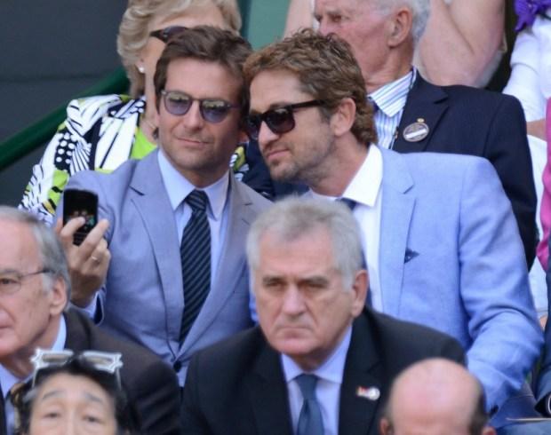 Gerard-Butler-Bradley-Cooper-took-snap-together-Wimbledon