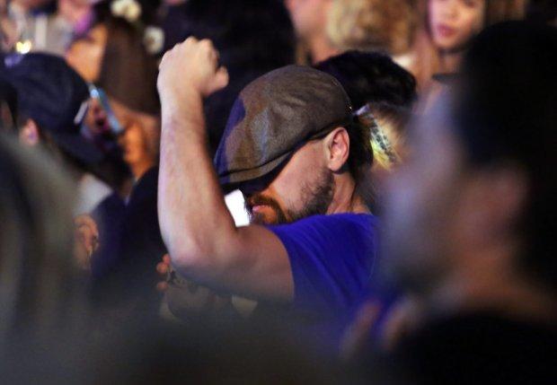 Leonardo-DiCaprio-Dancing-Coachella-2015