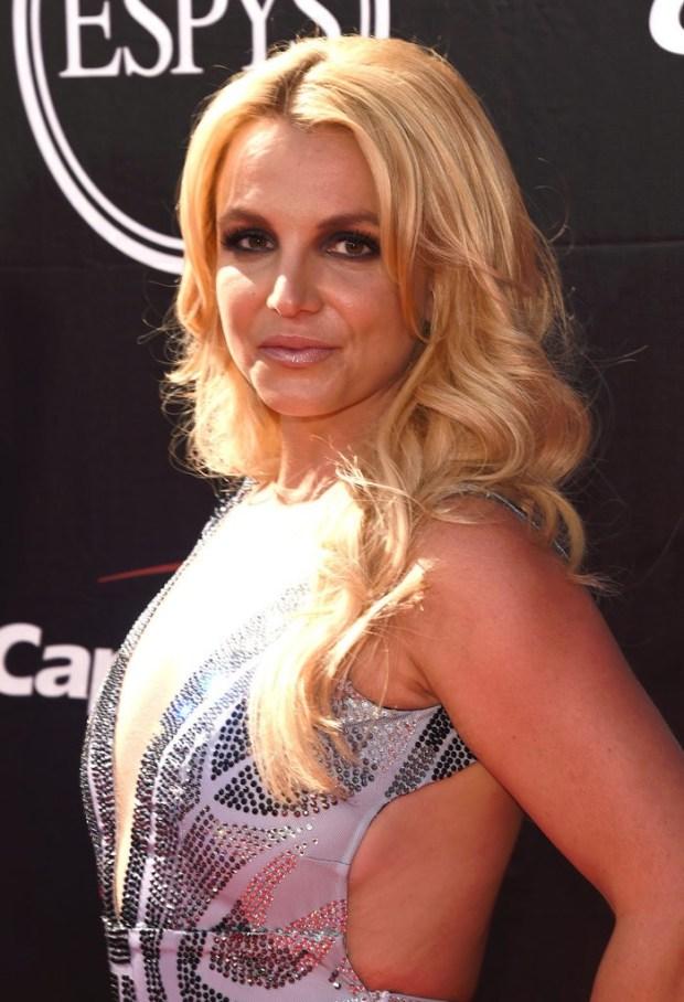 Britney-Spears-ESPY-Awards-2015-3